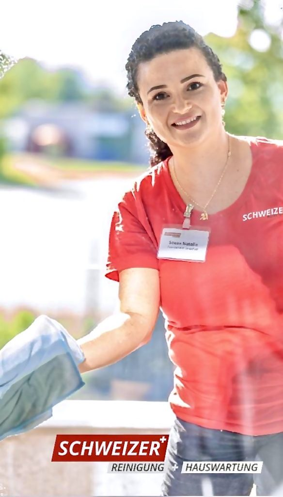 Poloshirts mit Firmenwerbung Stickerei für die Schweizer Reinigung und Hauswartung - Firmenbekleidung Arbeitskleidung von Flexdress Shop Schweiz